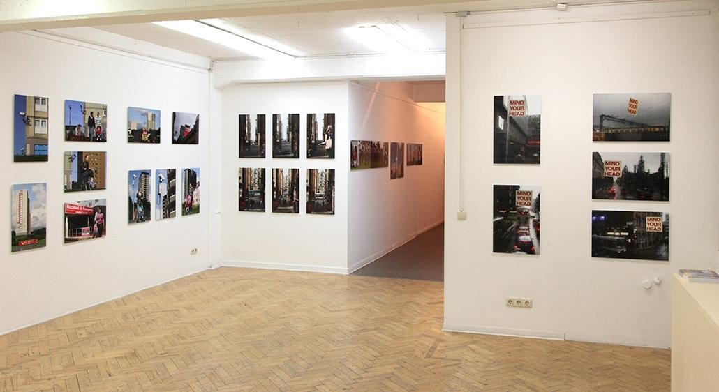 Myriam Thyes in der Einzelausstellung 'Glasgow Styles / Magnify Malta' (2012), Kunstverein Duisburg, Duisburg