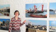 Myriam Thyes in der Einzelausstellung 'Glasgow Styles / Magnify Malta', muehlhausetc. Galerie für Fotografie, Troisdorf, 2012.