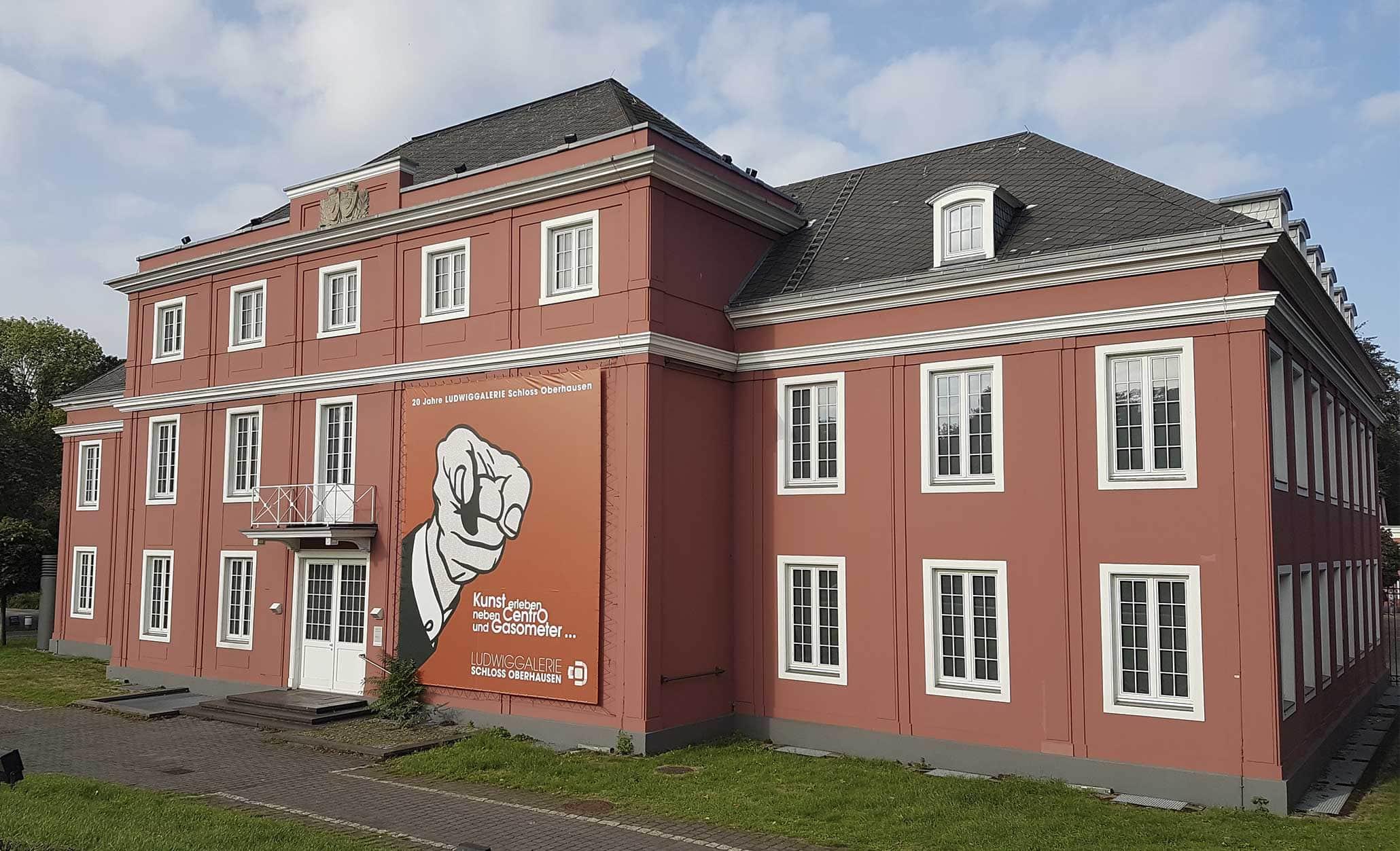 """Gruppenausstellung """"Die Geste"""" im Schloss Oberhausen, 23. September 2018 bis 13. Januar 2019. Im Bild: Schloss Oberhausen."""