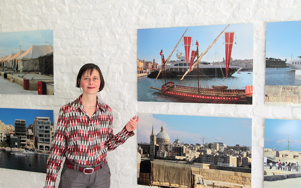 Myriam Thyes in the solo exhibition 'Glasgow Styles / Magnify Malta', muehlhausetc. Gallery for Photography, Troisdorf, 2012