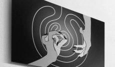 Global Vulva Plates (2014), Mudra 'Lotus und Biene' im Labyrinth.